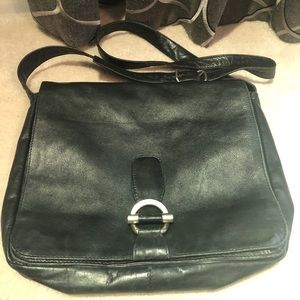 Kenneth Cole Leather Messenger/Crossbody Bag